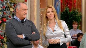 Adriana Volpe dans I Fatti Vostri - 16/12/11 - 02
