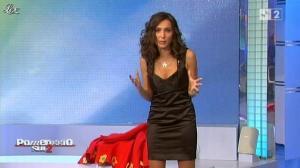 Caterina Ballivo dans Pomeriggio Sul Due - 12/11/10 - 05