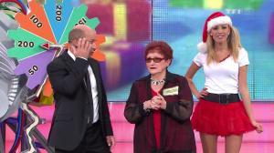 Nadia Aydanne dans le Juste Prix - 13/12/11 - 05