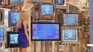 Adriana Volpe dans I Fatti Vostri - 20/12/12 - 07
