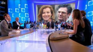 Alix Bouilhaguet dans le Grand Journal de Canal Plus - 10/10/12 - 02
