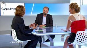 Caroline Roux dans C Politique - 25/11/12 - 36