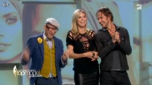 Heidi Klum dans Germany s Next Top Model - 31/05/12 - 10