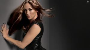 Jennifer Lopez dans Publicité l Oreal - 22/12/11 - 04