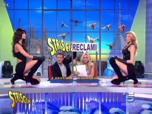 Michelle Hunziker, Federica Nargi, Costanza Caracciolo et Veline dans Striscia la Notizia - 04/03/10 - 04