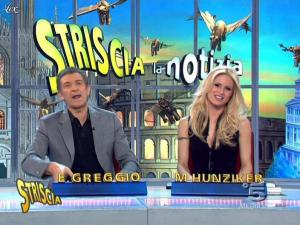 Michelle Hunziker dans Striscia la Notizia - 02/03/10 - 10