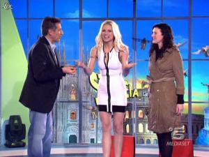 Michelle Hunziker dans Striscia la Notizia - 04/03/10 - 03