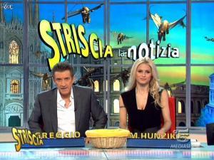 Michelle Hunziker dans Striscia la Notizia - 10/02/10 - 05