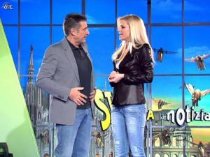 Michelle Hunziker dans Striscia la Notizia - 13/03/10 - 02