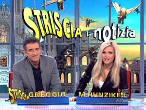 Michelle Hunziker dans Striscia la Notizia - 13/03/10 - 05