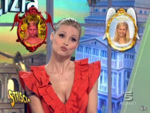 Michelle Hunziker dans Striscia la Notizia - 17/02/10 - 06