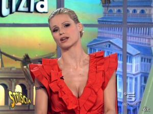 Michelle Hunziker dans Striscia la Notizia - 17/02/10 - 07