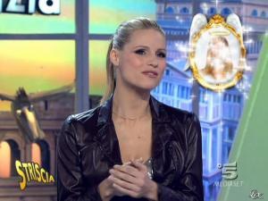 Michelle Hunziker dans Striscia la Notizia - 20/02/10 - 03