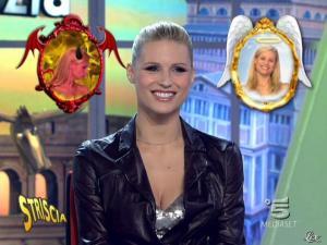 Michelle Hunziker dans Striscia la Notizia - 20/02/10 - 04