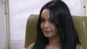 Nabilla Benattia dans Hollywood Girls - 22/10/12 - 10
