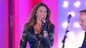 Sabrina Salerno dans Vivement Dimanche - 14/10/12 - 01