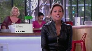 Anne-Sophie Lapix dans C à Vous - 30/09/13 - 02