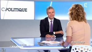 Caroline Roux dans C Politique - 11/01/13 - 05