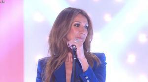 Céline Dion dans Vivement Dimanche - 08/12/13 - 02