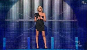 Alessia Marcuzzi dans Grande Fratello - 26/10/09 - 01