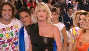 Alessia Marcuzzi dans Grande Fratello - 26/10/09 - 02