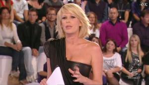 Alessia Marcuzzi dans Grande Fratello - 26/10/09 - 03