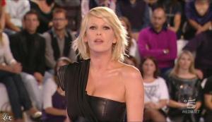 Alessia Marcuzzi dans Grande Fratello - 26/10/09 - 05