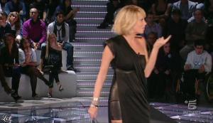 Alessia Marcuzzi dans Grande Fratello - 26/10/09 - 17