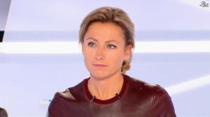 Anne-Sophie Lapix dans Dimanche Plus - 04/11/12 - 12