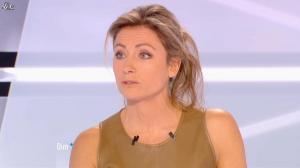 Anne-Sophie Lapix dans Dimanche Plus - 16/12/12 - 16