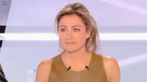Anne-Sophie Lapix dans Dimanche Plus - 16/12/12 - 18