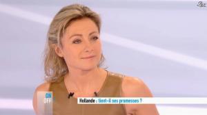 Anne-Sophie Lapix dans Dimanche Plus - 16/12/12 - 19
