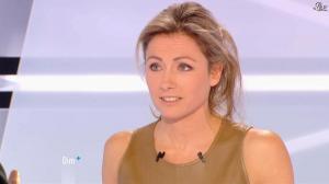Anne-Sophie Lapix dans Dimanche Plus - 16/12/12 - 35