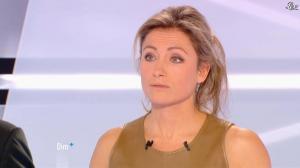 Anne-Sophie Lapix dans Dimanche Plus - 16/12/12 - 36