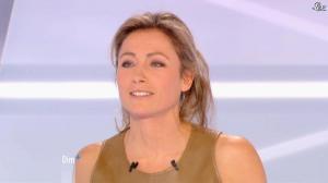 Anne-Sophie Lapix dans Dimanche Plus - 16/12/12 - 39