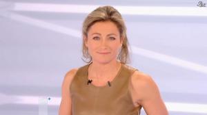 Anne-Sophie Lapix dans Dimanche Plus - 16/12/12 - 42