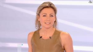 Anne-Sophie Lapix dans Dimanche Plus - 16/12/12 - 45