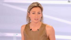 Anne-Sophie Lapix dans Dimanche Plus - 16/12/12 - 46