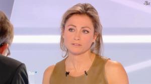 Anne-Sophie Lapix dans Dimanche Plus - 16/12/12 - 48