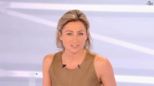 Anne-Sophie Lapix dans Dimanche Plus - 16/12/12 - 53