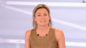 Anne-Sophie Lapix dans Dimanche Plus - 16/12/12 - 54