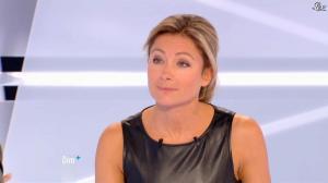 Anne-Sophie Lapix dans Dimanche Plus - 28/10/12 - 44