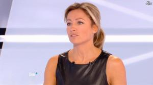 Anne-Sophie Lapix dans Dimanche Plus - 28/10/12 - 56