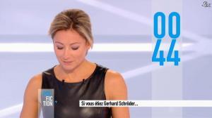 Anne-Sophie Lapix dans Dimanche Plus - 28/10/12 - 71