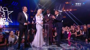 Camille Lou dans NRJ Music Awards - 13/12/14 - 07