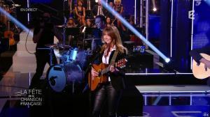 Carla Bruni dans la Fete de la Chanson Francaise - 21/11/14 - 01