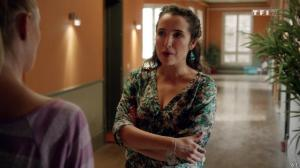 Joy Esther et Isabelle Vitari dans Nos Chers Voisins - 22/11/14 - 01