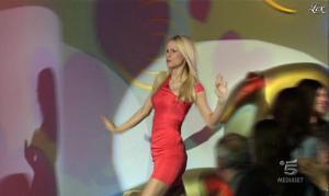 Michelle Hunziker dans Striscia la Notizia - 16/02/12 - 01