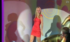 Michelle Hunziker dans Striscia la Notizia - 16/02/12 - 02