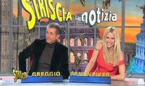 Michelle Hunziker dans Striscia la Notizia - 16/02/12 - 11